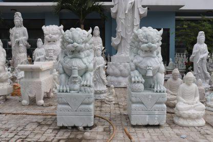Điêu khắc tượng đá kỳ lầnĐiêu khắc tượng đá kỳ lân tại Đà Nẵng